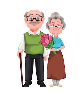 Mulher bonita sorridente e bonito homem idoso
