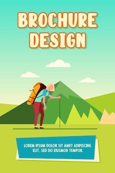 Mulher cansada, caminhadas nas montanhas. trekking, mochila pesada, ilustração vetorial plana de turista ativo