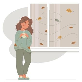 Mulher chateada dos desenhos animados em pé com uma xícara de chá na janela e olha para as folhas caindo.