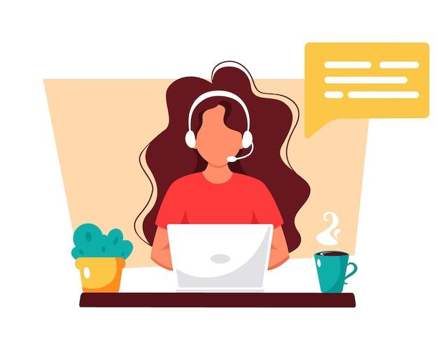 Mulher com fones de ouvido e microfone. atendimento ao cliente, assistente, suporte, call center.