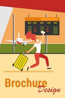 Mulher com máscara comemorando cancelamento de proibição de viagens. passageiro correndo em ilustração vetorial plana de aeroporto. atrasado para embarque, vírus e conceito de viagem