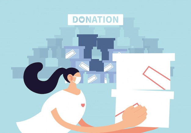 Mulher com máscara e mercado para entregar doação