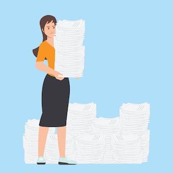 Mulher de negócio ocupada com a pilha de papel do escritório.