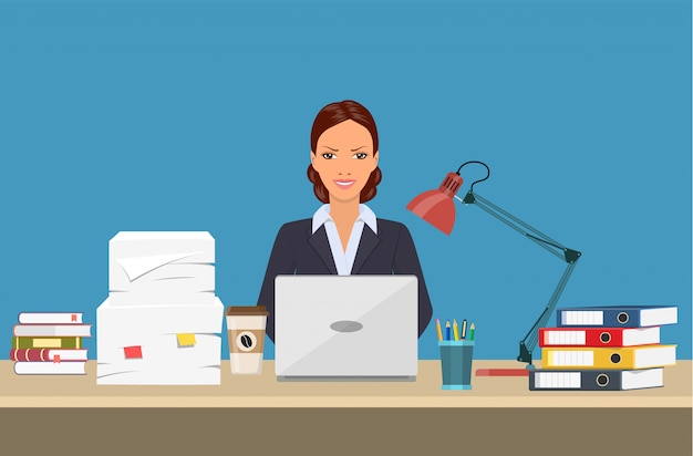 Mulher de negócios com as coisas do escritório.
