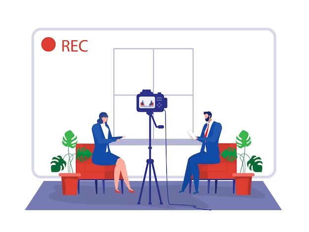 Mulher de negócios dá entrevista a apresentadora de televisão em estúdio de transmissão entrevista na internet