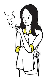Mulher de negócios relaxante fumando cigarro no intervalo do trabalho.