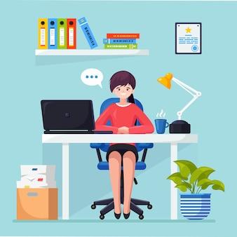 Mulher de negócios trabalhando na mesa