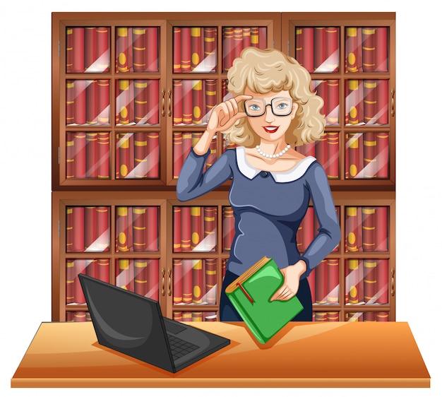 Mulher de óculos na biblioteca