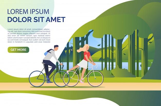 Mulher e homem, andar de bicicleta, paisagem verde e texto de exemplo