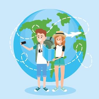 Mulher e homem com smartphone para viajar aorund do mundo