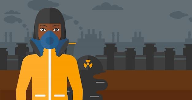 Mulher em traje de proteção químico.
