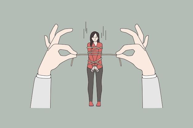 Mulher estressada amarrada com corda por mãos enormes