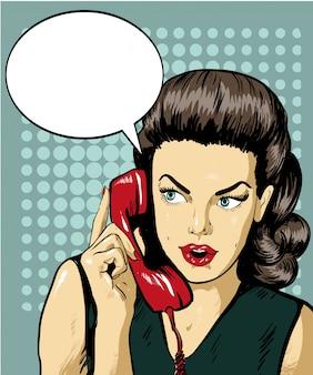 Mulher falando por telefone com bolha do discurso