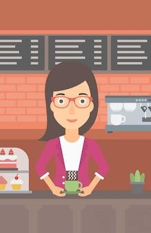 Mulher fazendo café.