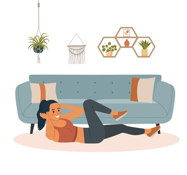 Mulher fitness sacode a imprensa na sala de estar.