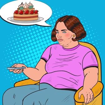 Mulher gorda de pop art assistindo tv com controle remoto