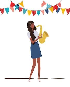 Mulher jovem, com, saxofone