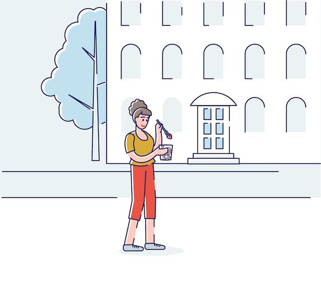 Mulher jovem comendo em movimento. mulher de desenho animado toma café da manhã indo para o trabalho ou para as aulas.