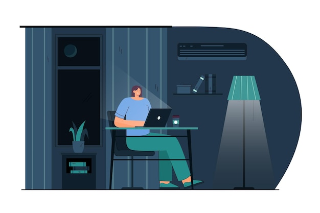 Mulher jovem dos desenhos animados que trabalha no laptop à noite. ilustração plana