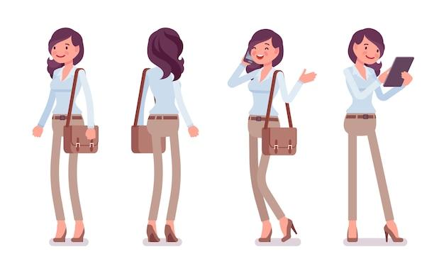 Mulher jovem e atraente na camisa abotoada e calças de algodão magros de camelo, pose de pé. tendência de workwear elegante de negócios e moda da cidade de escritório. estilo cartoon ilustração dianteira e traseira