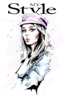 Mulher jovem e bonita em boné isolado no branco