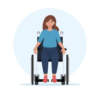 Mulher jovem feliz em uma cadeira de rodas. ilustração vetorial em estilo simples