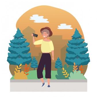 Mulher, levando, um, selfie
