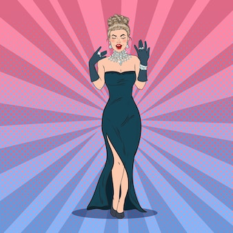 Mulher linda de vestido preto