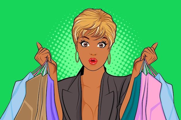Mulher negra surpresa segurando sacolas de compras no estilo de quadrinhos retro vintage pop art