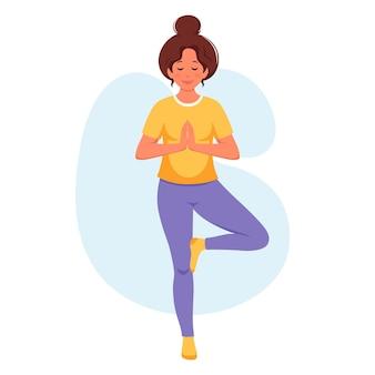 Mulher praticando ioga estilo de vida saudável relaxando meditação
