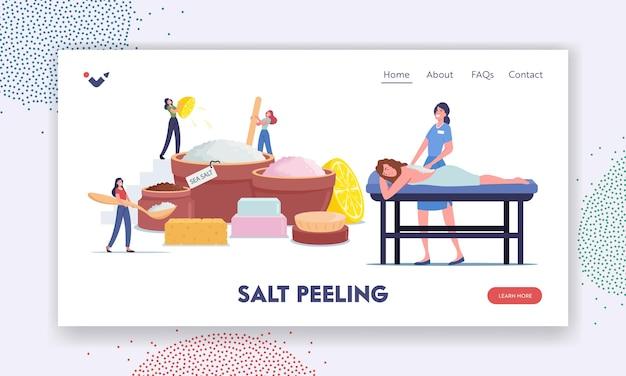 Mulher relaxada, aplicando massagem peeling ou esfoliação com sal no modelo de página inicial do salão de beleza do spa. minúsculos personagens femininos fazendo produtos de beleza de óleos e sal marinho natural. ilustração em vetor desenho animado