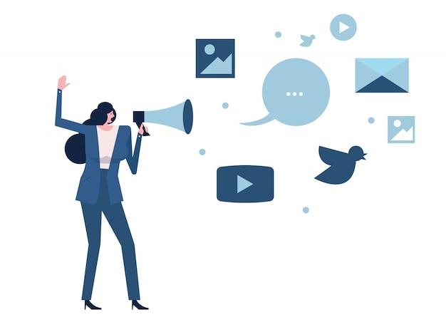 Mulher segurando o megafone com o ícone de mídia social.