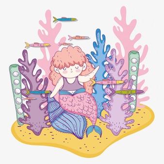 Mulher sereia nas conchas com plantas de algas