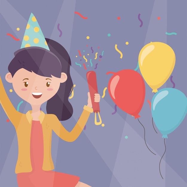 Mulher sorridente com festa de comemoração de chapéu e balões
