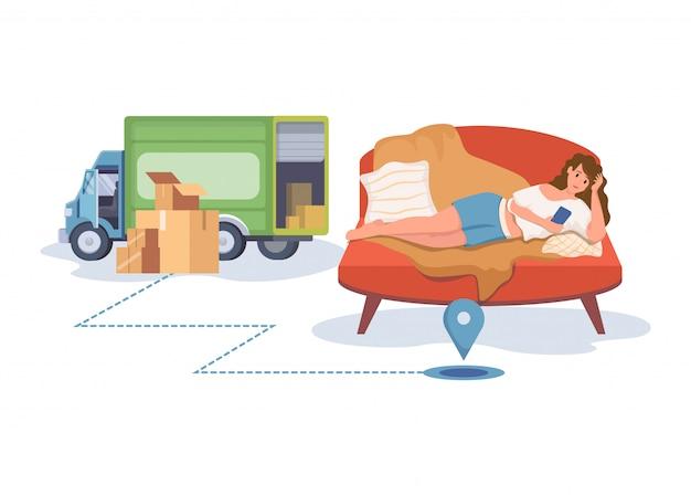Mulher sorridente deitada no sofá e entrega de pedidos na ilustração de desenhos animados plana de aplicativo móvel.