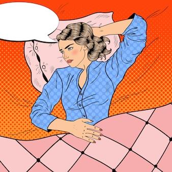 Mulher tendo uma noite sem dormir