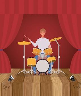 Mulher tocando bateria bateria personagem