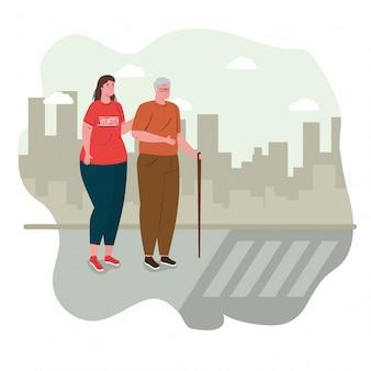 Mulher voluntária com velho ajudando a atravessar a rua, caridade e conceito de doação de assistência social