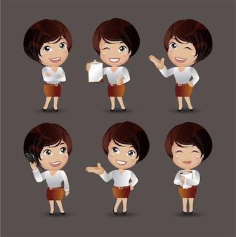 Mulheres com poses diferentes