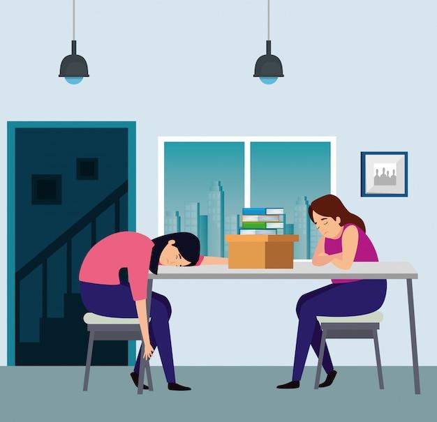 Mulheres dormindo no local de trabalho