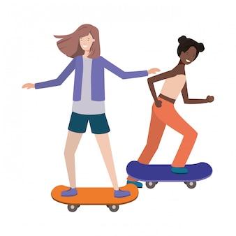Mulheres jovens com personagem de avatar de skate
