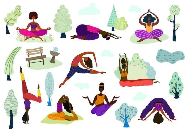 Mulheres praticam ioga no parque ao ar livre