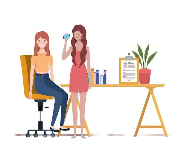 Mulheres, sentando, trabalho, escritório, branca