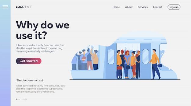 Multidão de passageiros que viajam de trem do metrô