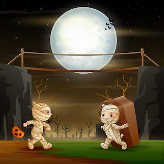 Múmia feliz na noite de halloween