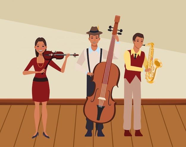 Músico tocando saxofone baixo e violino