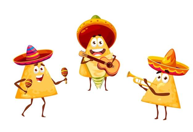Nachos mexicanos chips mariachi músico em sombrero