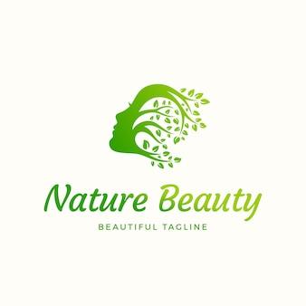 Natureza beleza sinal abstrato, emblema ou logotipo modelo. rosto de mulher bonita com cabelo encaracolado de galhos com folhas. símbolo de estilo de silhueta com tipografia.