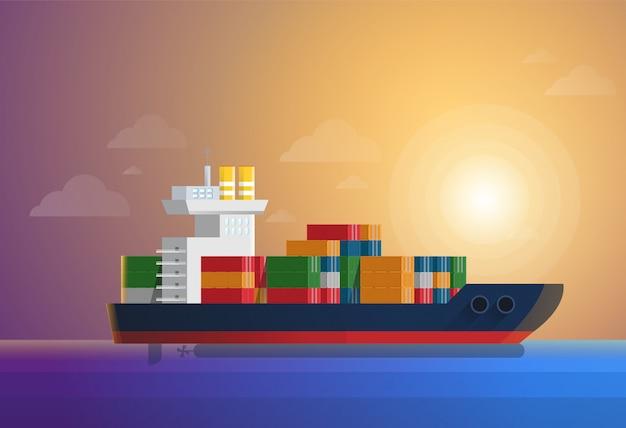 Navio de contentores de carga transporta contentores no oceano azul
