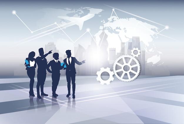 Negócios equipe silhueta empresários recursos humanos do grupo sobre o conceito de vôo de viagem de mapa mundial